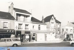 Le 12 avenue Maunoury avant 1978 et en 2015 (AM Blois, 2 Fi 25 36 / Ville de Blois, Communication)